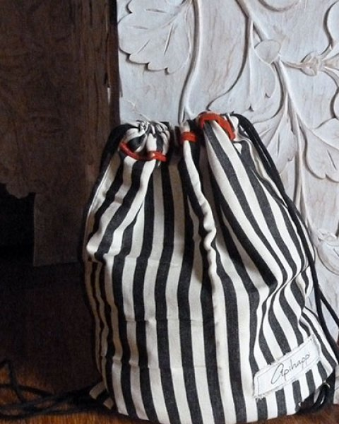 Colombo Drawstring Sack - Black & White