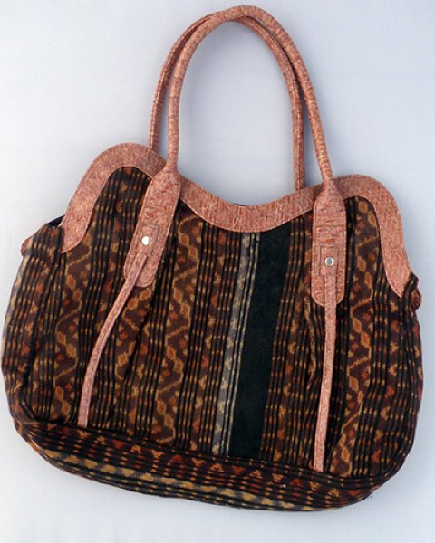 Sumba Ikat Carry Bag 2
