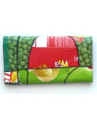 Recycled chip packet purse 1