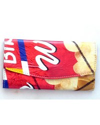 Recycled chip packet purse 4