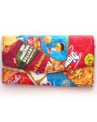 Recycled chip packet purse 7