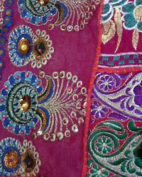 Bundi Embroidered Carry Bag 1